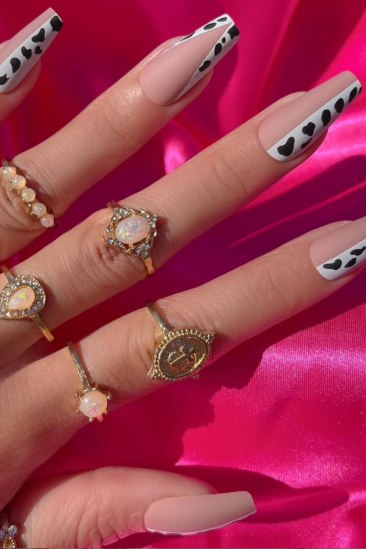 white coffin nails design ideas