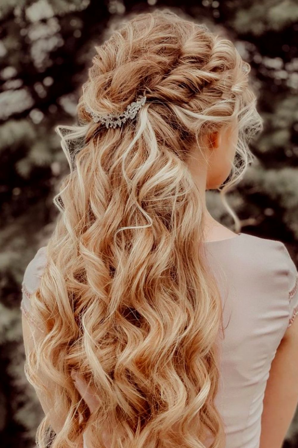 Romantic prom hairstyle 2021