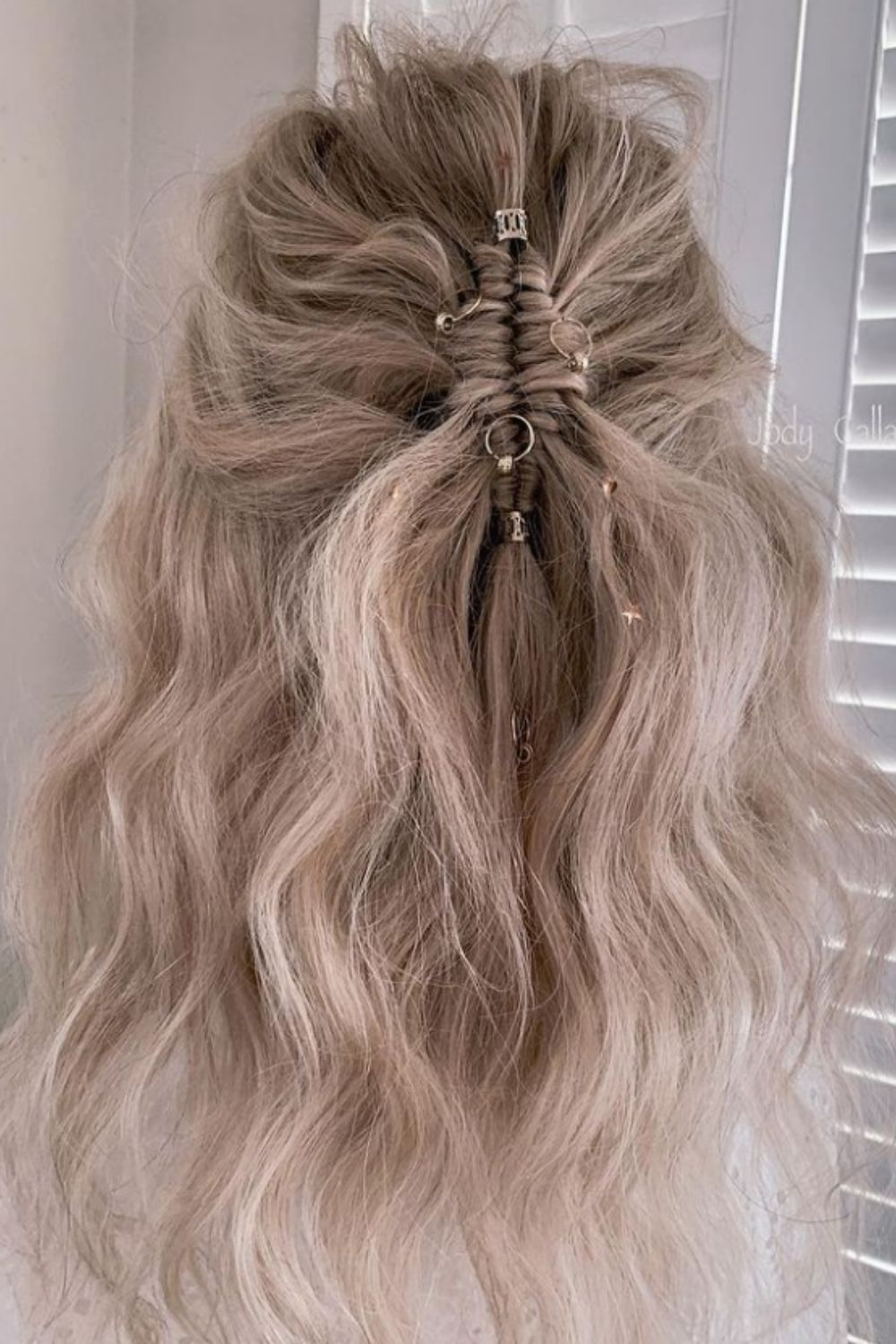 Elegant and charming wedding hairstyle for bride