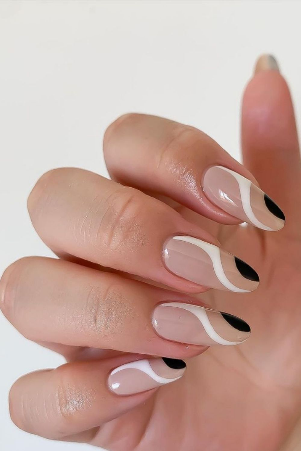 40 Stylish Black And White Nails To Do In Summer 2021!