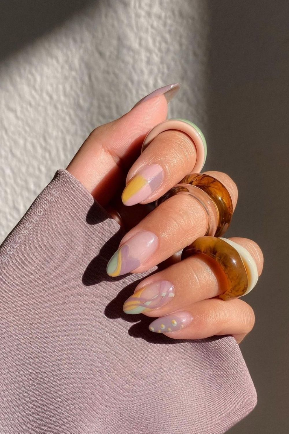 31 Best short almond nails in pastel nail polish 2021
