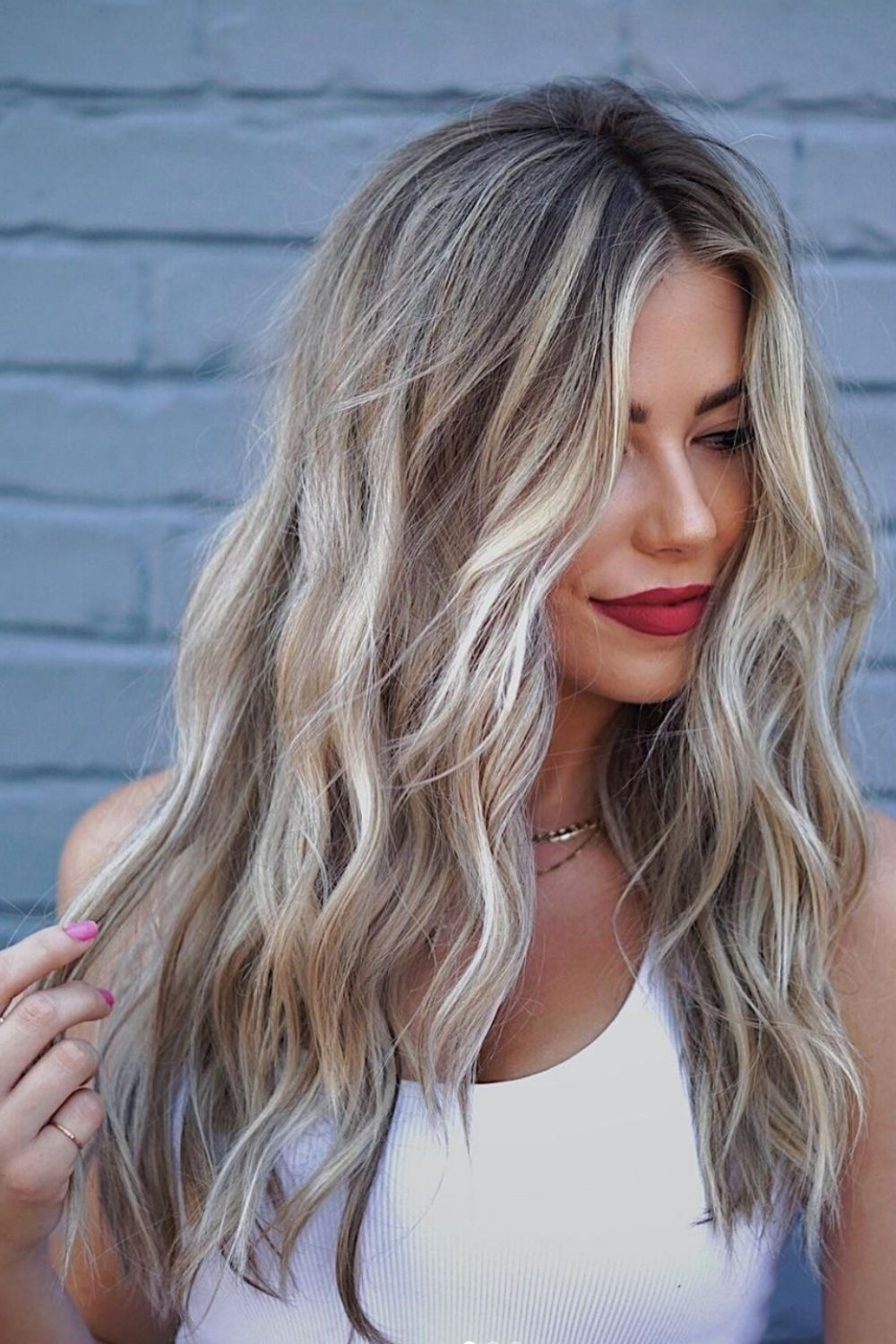 34 Best Layered Haircuts With Bangs for medium length hairstyle!