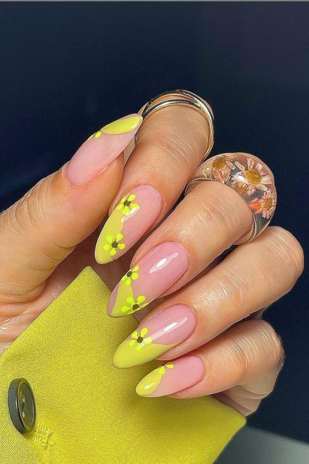 Best Green nail designs to try 2021: neon green, lime green, dark green
