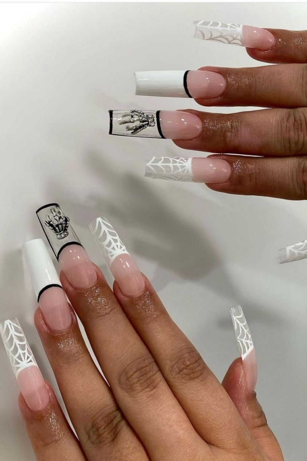 Halloween nail aesthetic | Trendy Halloween manicure to try 2021