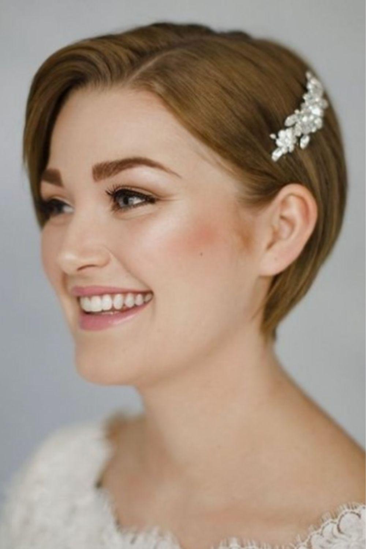 Royal prom short hairstyles