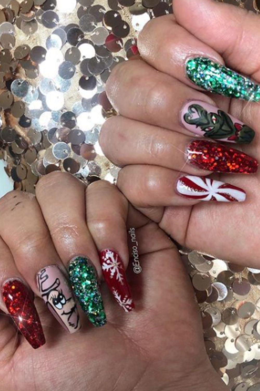 What are Christmas nail with coffin nails